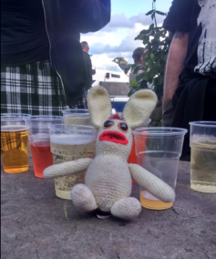 There were loads of ciders of varying flavours and strengths available. Bananas Bunny was surprised to find that cider strengths start about where Beer strengths finish, and he very quickly realised that pacing himself would be the order of the day at a cider festival.