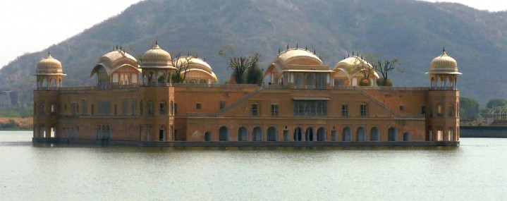 Jal Mahal (water palace) in the middle of the Man Sagar Lake in Jaipur city.