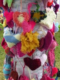 More memorial hearts.